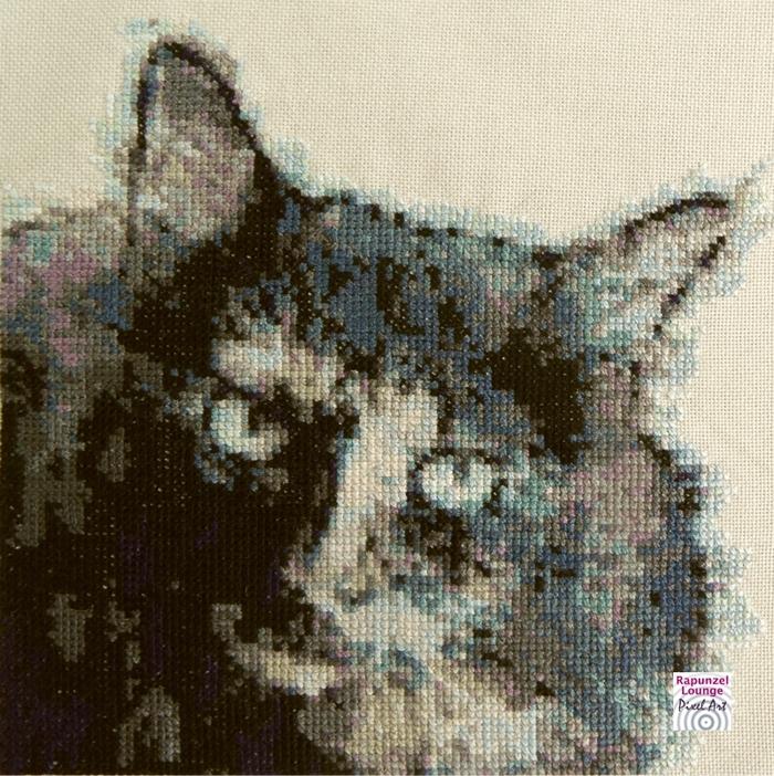 Katze_langhaar_gestickt_Pixel_Art.jpg