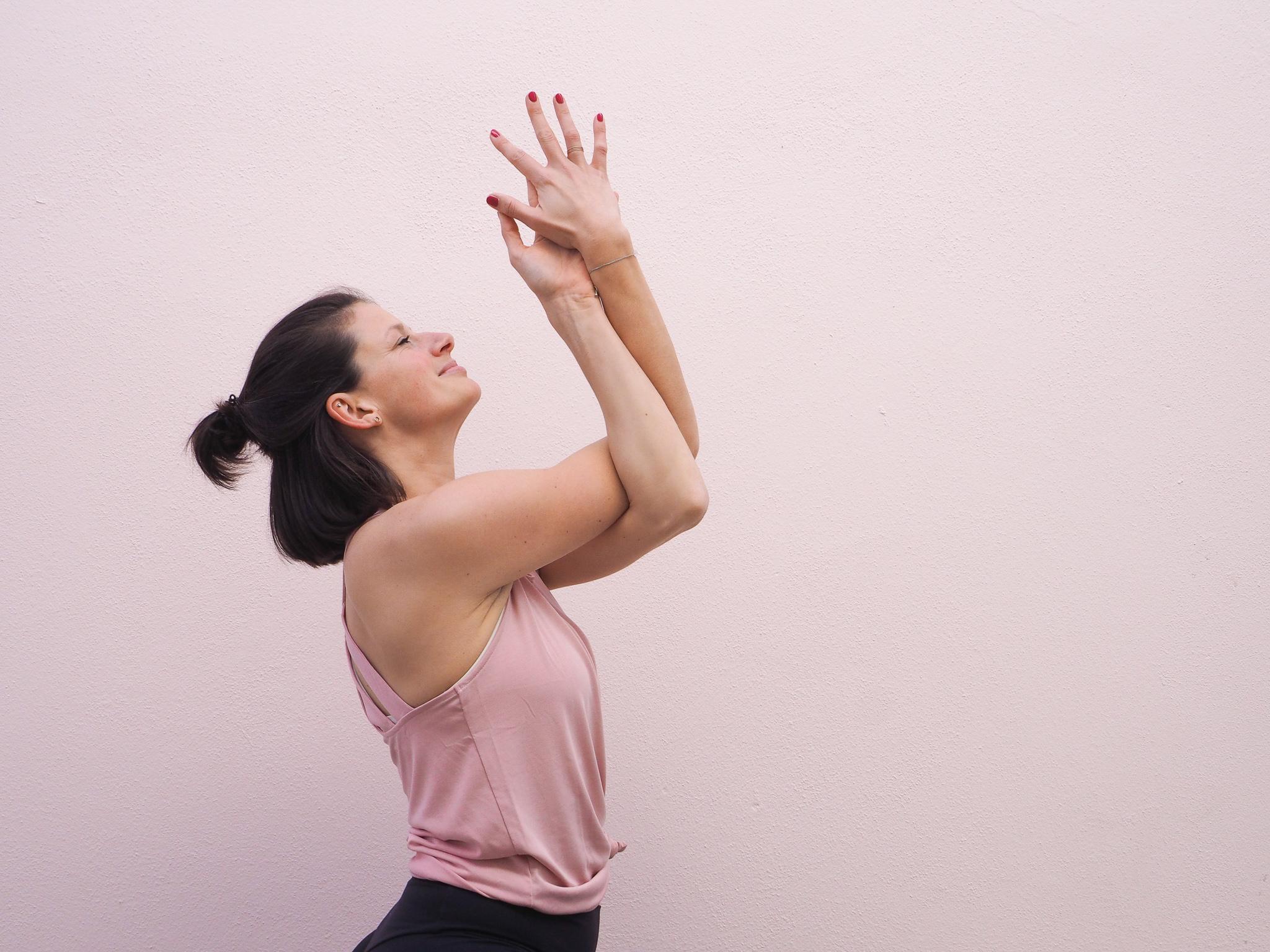 Der Gemachliche Panther Feierabend Yoga 09 Marz 75 Minuten Ganzkorper Flow Isabellepanther Elopage